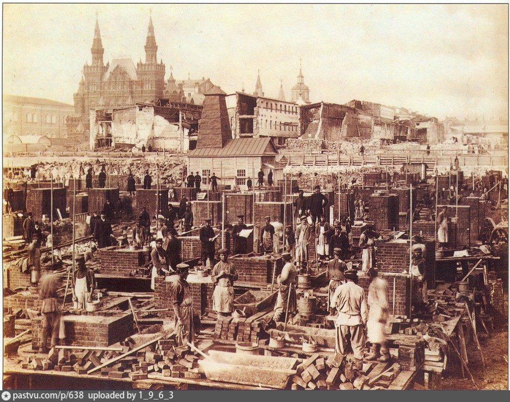 6. 1890 г.-- Строительство новых Верхних торговых рядов на Красной площади в Москве (буд. ГУМ).